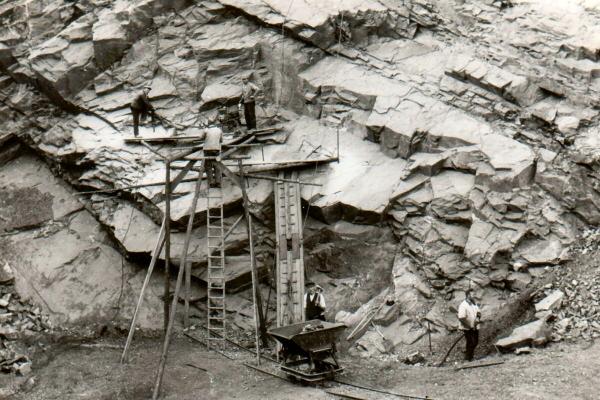 Der Steinbruch am Engestieg 1953. (Bildquelle: Archiv Martin Kahlert, Ruhla)