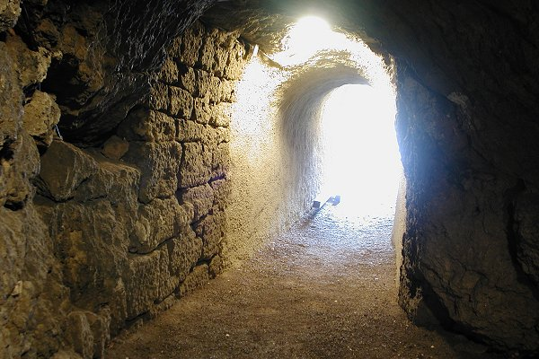 Eingangsstollen in die Altensteiner Höhle