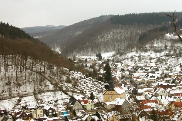 Blick auf Steinbach im Winter