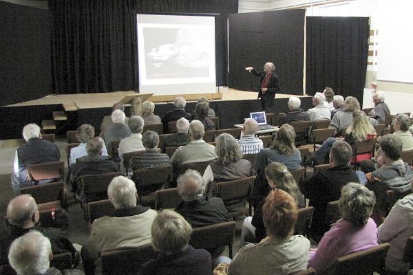 Vortrag von Dr. Martens zur Grabung am Bromacker und den neuesten Funden am 21.05.2010 in der Lohmühle